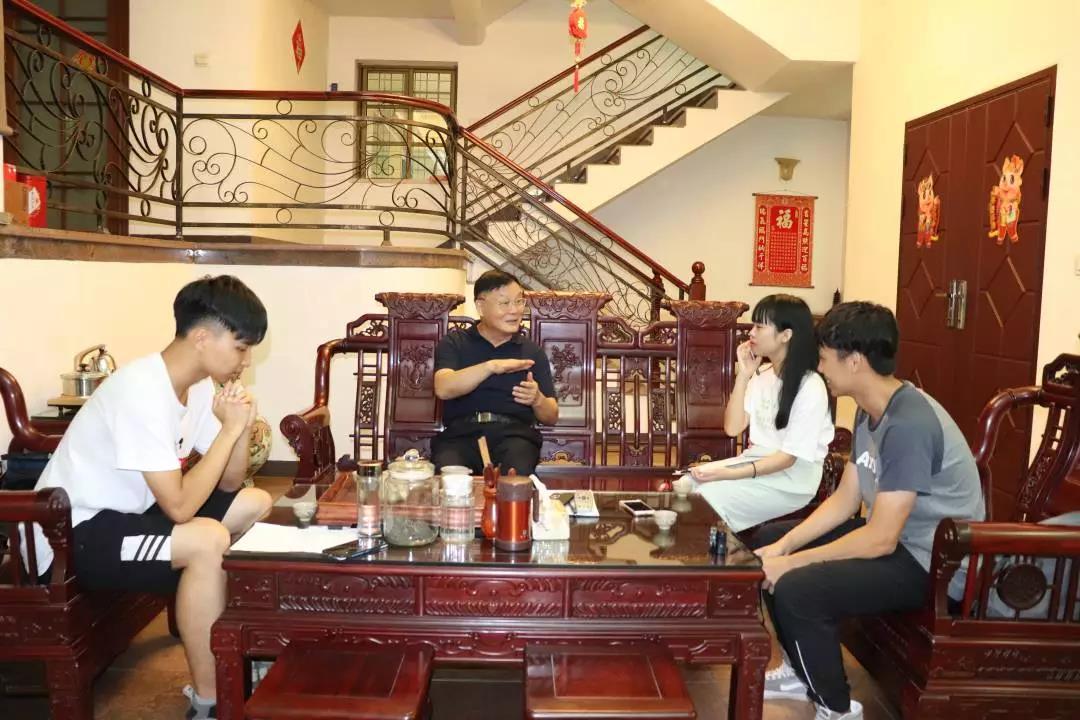 洪锋:为中华之崛起而读书---热爱学习,乐于奉献,心存感恩